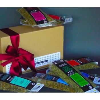 Δώρο με οκτώ (8) βότανα για τσάι σε οικολογικό κουτί kraft